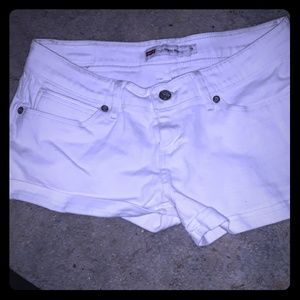 Levi's white size 9 woman's short shorts!!!